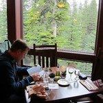 Speisesaal mit Blick ins Grüne