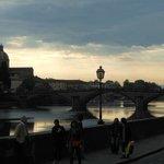ponte sull'Arno per piazza S. Trinita