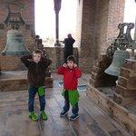 Arriba con las campanas