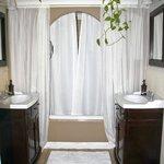 Diamond Suite bath