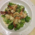 Shrimp scampi and veggies