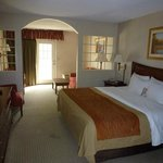 King Suite - Bed