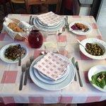 Il nostro tavolo con i primi antipasti