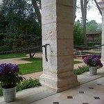 Vue devant côté jardin... prendre un thé.... se reposer au bruit de l'eau