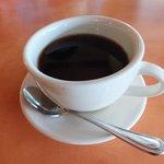 こぼれているコーヒー3.25ドル