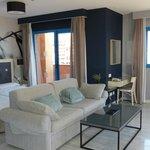 Hydros Suite 44 bedroom