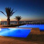il tramonto sulla piscina