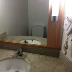 banheiro com excelente ducha