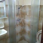 Shower Cabinette