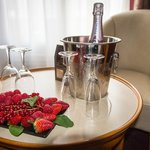 The 'romantic' package of fresh fruit, champagne and biscuits on arrival.