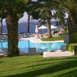 piscine avec vue sur la plage