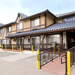Travelodge Santa Clarita/Valencia