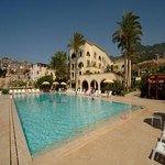 Four Stars Hotel And Beach Club
