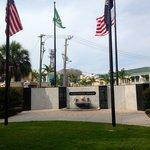 Veterans memorial monument