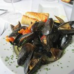 A pound of fresh mussels cooked in wine