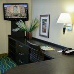 Denver - Brighton Queen Bed Guest Room