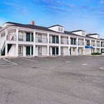 Welcome to the Baymont Inn and Suites Ozark
