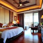 Days Hotel and Suites Shimei Bay