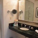California Suite Bathroom