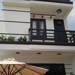 Notre chambre avec balcon (97458417)