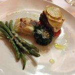 Fisch mit Spargel, Spinat und Kartoffeln
