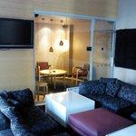Холл бара и курительная комната