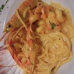 shrimp spaghetti with gold sauce