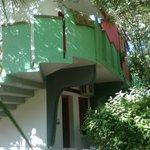 Villaggio Sayonara Club: interno nel verde ed accesso ad una Family Room.