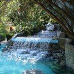 Villaggio Sayonara Club: fontana con giochi d'acqua e idromassaggio.