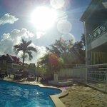 coin détente, terrasse et piscine