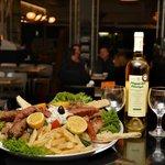 Oneiro Cafe Restaurant Bar