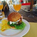 Birra artigianale e hamburger