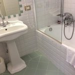 bathroom of triple room