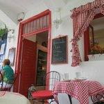 Exterior of L'Ile Bistrot Cafe