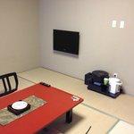 テレビは、壁に備え付け