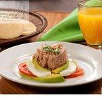 Da Dino - Atún con Tomate y Queso (Sábados y Domingos)