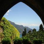 Uno scorcio preso dalla cripta di Villa Cimbrone