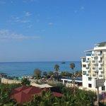 unsere Sicht vom Balkon zum Meer!!!