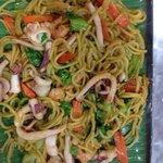 Spaghetti malesi con pescando
