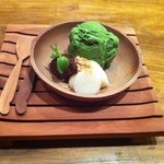 Mochi with green tea ice cream n red bean paste