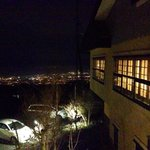 Вид на ночную Катанию с террасы