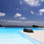 Infinity pool and terrace, Kaldera side
