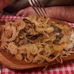 bistecca stufata con cipolla fritta
