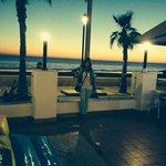 Terraza del hotel con preciosas vistas al mar.