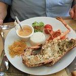 Présentation homard grillé.
