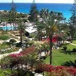 Blick vom Balkon des Nissi Beach Hotel