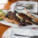 Repas restaurant centre portuaire Bol, à 5 min à pied de l'hôtel