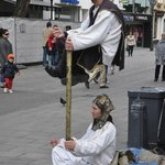 Street performers entertain