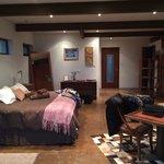 Habitación muy grande, acogedora, con una decoración de mucho gusto... Un 10!!!!