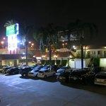 Dunes Inn - parcheggio